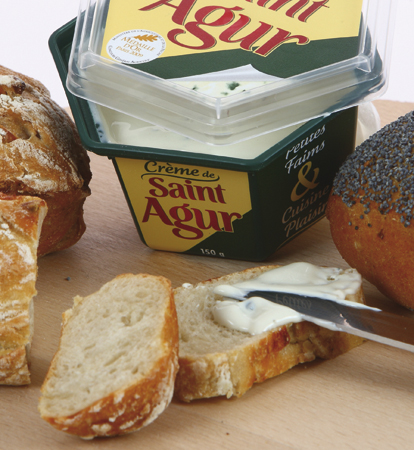 Saint-Agur cheese: complex IML designs